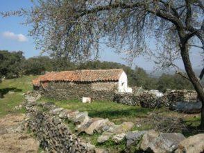 Cortijo para reformar en Extremadura