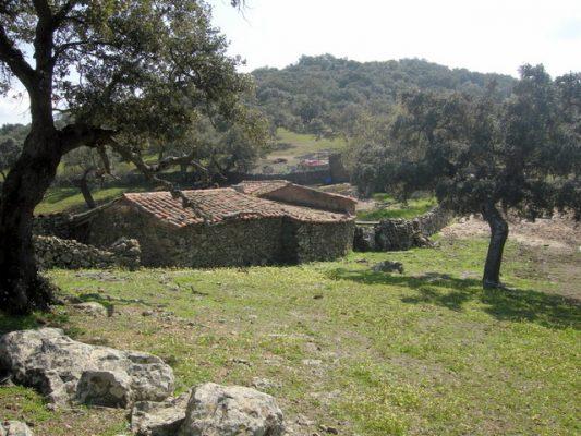 Cortijo de piedra en Extremadura