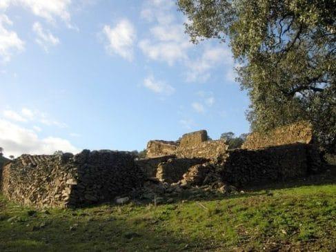 Finca de encinas para recreo en el sur de Badajoz (4 ha)
