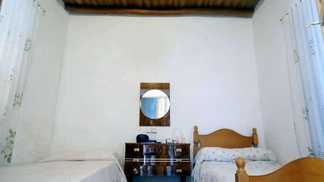 Casa en Tentudía con techos de madera