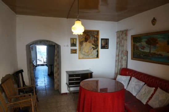 Salón rústico de la casa
