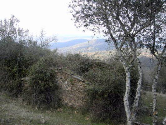 Casa pequeña de campo para rehabilitar