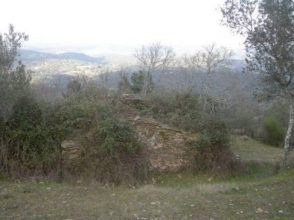 Pequeña casa de campo con vistas