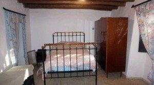 Casa en la sierra de Aracena muebles antiguos