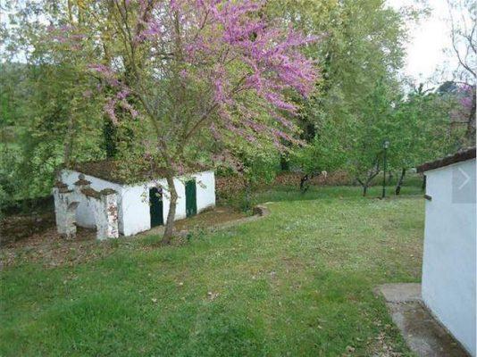 Terreno rústico con casa de aperos