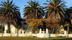 Finca ganadera con cortijo antiguo en Extremadura