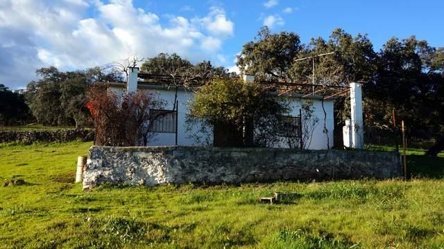 Parcela de 2 ha con casa de campo en la sierra de Aracena