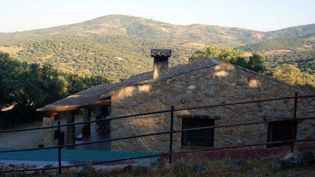 Casa de campo en la sierra de Tentudía, sur de Extremadura