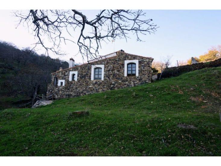Vista de la casa desde el jardín posterior