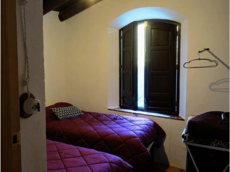 Dormitorio con camas dobles