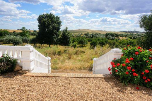 Dehesa de 62 hectáreas con precioso cortijo extremeño