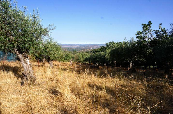 Vista de varios pueblos de la sierra de Tentudía