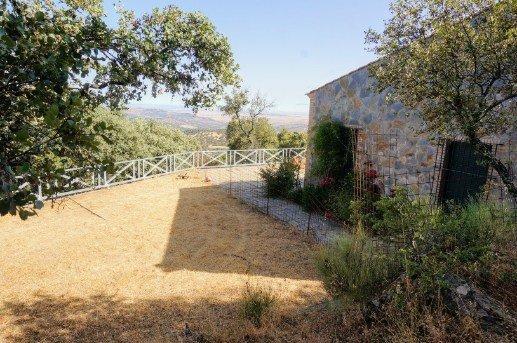 Casa de campo con vistas en la sierra de Tentudía