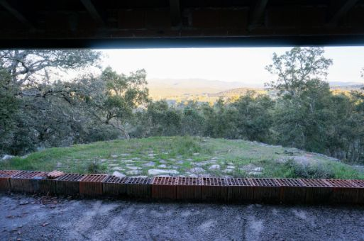 Vista frontal desde la casa